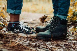 Doua perechi de picioare